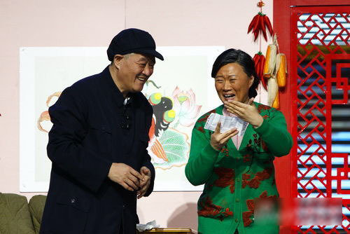 邵峰搭档张瑞雪表演小品《老邵的婚事》